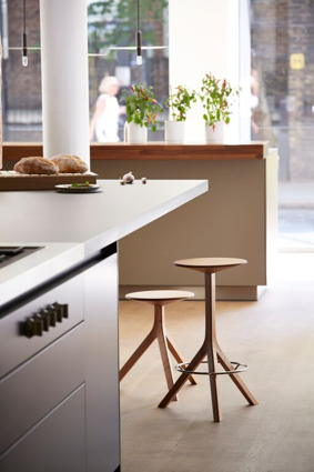* 100pc-design-kitchen-stool.jpg
