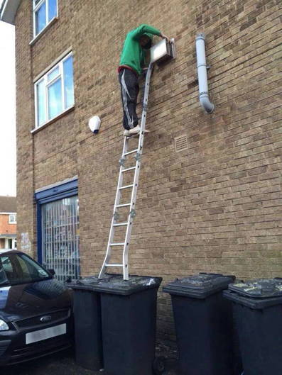 idiot-on-ladder-2014.jpg